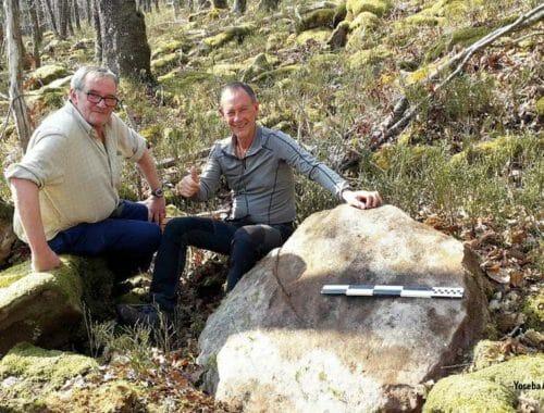Javier Salvarredi con Javi Castro, junto a una muela de 105 cm en la cantera de Akezu