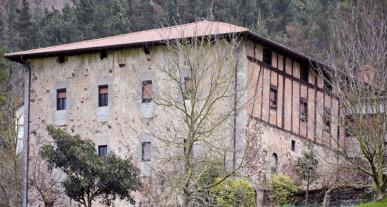 Caserio Sorregieta en Elduain
